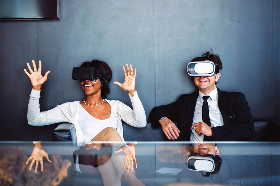 people using virtual reality in business